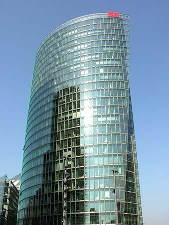 Bild des bahn tower von berlin db gebäude