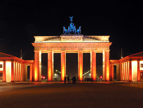 Brandenburger Tor bei Nacht Fotos