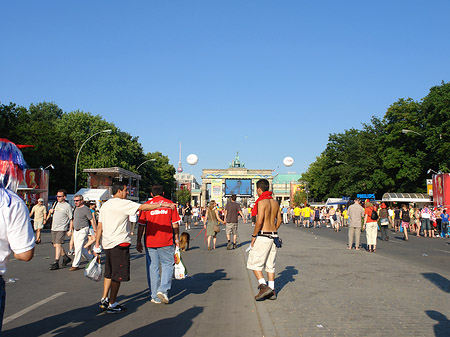 Fanmeile am Brandenburger Tor - Berlin (Berlin)