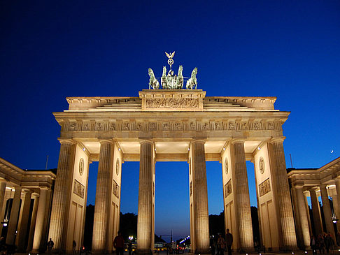 brandenburger tor fotos von berlin in bildgalerie. Black Bedroom Furniture Sets. Home Design Ideas