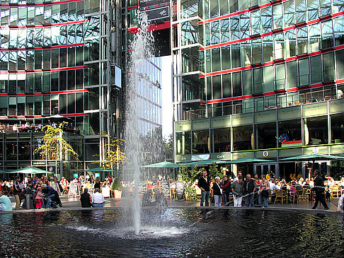 Foto Sony Center - Brunnen
